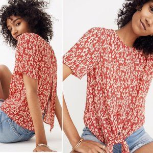 Madewell Crinkle Button Back Tie Tee in Full Bloom